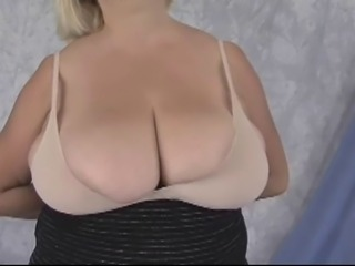 Amateur  Big Tits Natural
