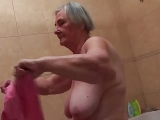 Amateur Bathroom Big Tits Homemade Natural
