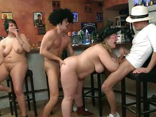 Big Tits Drunk Groupsex Handjob Mature Natural Old And Young Smoking