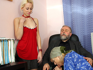 Blowjob Family Old And Young Threesome
