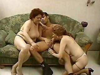 Blowjob Family Mom Old And Young Threesome