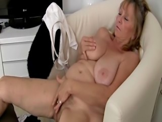 Big Tits Chubby Masturbating Natural  Solo