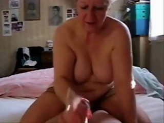 Amateur Chubby Handjob Homemade Mom Natural