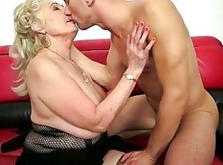Big Tits Kissing Mom Natural Old And Young