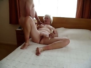 Amateur Chubby Homemade Older Wife