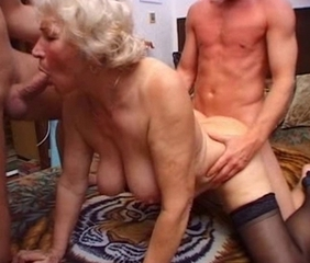 Blowjob Threesome