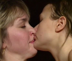 Kissing Lesbian Mature Mom Old And Young