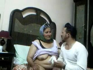 Amateur Arab  Homemade Mom Old And Young