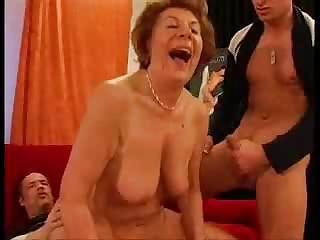 Big Tits Natural Old And Young Riding  Threesome