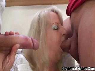 Big Cock Blowjob Family Mom Old And Young Threesome