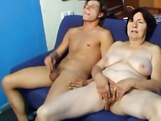 Amateur Big Tits Chubby Homemade Masturbating Mom Natural Old And Young