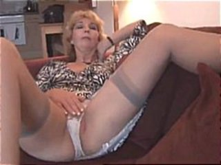 Masturbating Mature Panty Stockings
