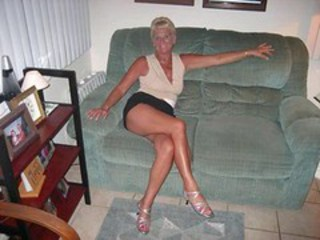 Amateur Homemade Legs Wife