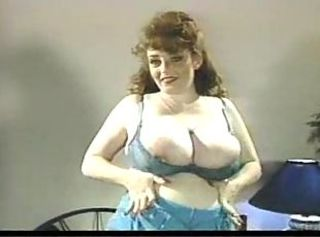 Big Tits Chubby Mature Natural Vintage
