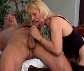 Blonde Blowjob Mom Old And Young