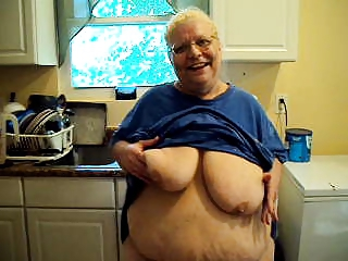 Amateur  Big Tits Glasses Homemade Kitchen Natural  Stripper