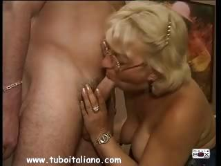 Blowjob European Glasses Italian Mom Old And Young