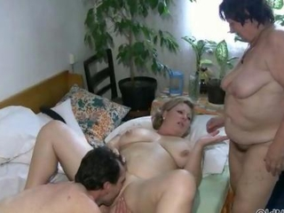 Amateur  Family Licking Natural  Threesome