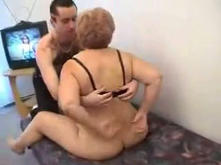 Amateur Ass Chubby Mom Old And Young
