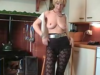 Amateur Big Tits British European Homemade Kitchen Natural Pantyhose Stripper