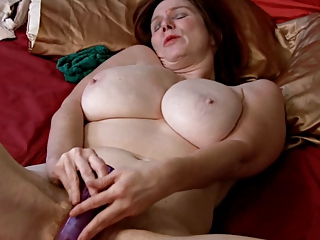 Big Tits Chubby Masturbating Mature Natural Toy