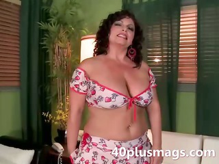 Big Tits Chubby Latina Mature