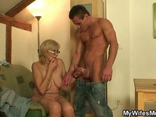 Big Cock Glasses Handjob Mom Old And Young