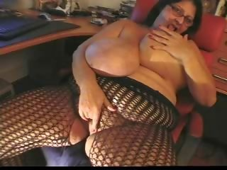Big Tits Glasses Lingerie Masturbating Mature  Webcam