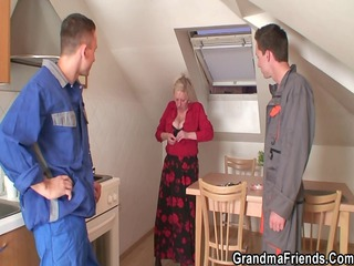 Kitchen Mom Old And Young Stripper Threesome