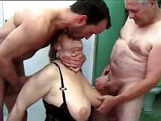 Big Tits Family Mom Natural Old And Young Threesome