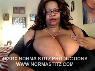 Big Tits Ebony Glasses Mature Webcam