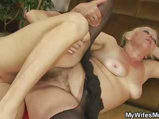 Chubby Hairy Mom Old And Young Pantyhose