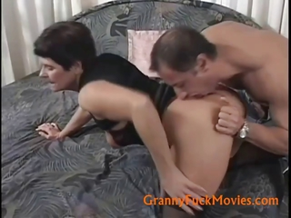 Ass Brunette Mom Old And Young