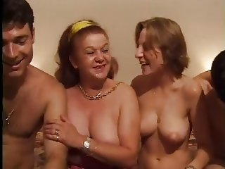 Amateur Family Groupsex Mature Mom Old And Young
