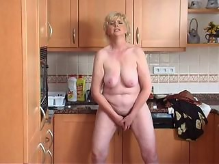 Amateur Big Tits Chubby Homemade Kitchen Masturbating Natural Orgasm  Solo