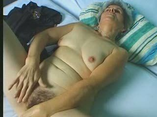 Amateur Chubby Hairy Masturbating
