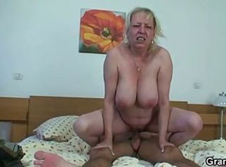 Big Tits Chubby Hardcore Mom Natural Old And Young Riding