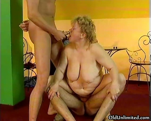 Big Tits Blowjob Family Mom Natural Old And Young  Threesome