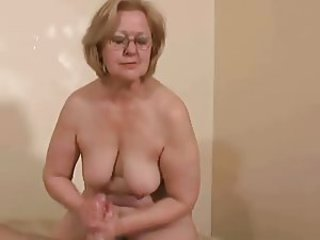 Amateur Chubby Glasses Handjob Natural