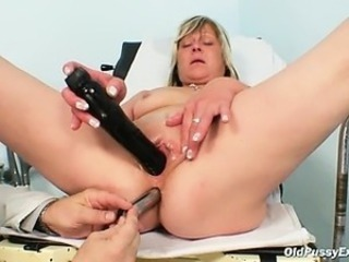 Close up Dildo Doctor Older Shaved Toy