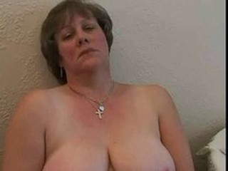 Amateur Chubby Mature Mom