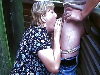 Amateur Blowjob Chubby Old And Young Outdoor