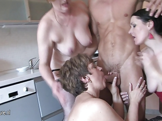 Blowjob Family Groupsex Kitchen Old And Young