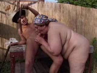 Blowjob Farm Mom Old And Young Outdoor