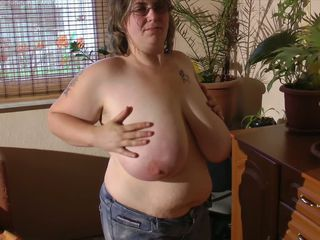 Amateur  Big Tits Glasses Mature Natural
