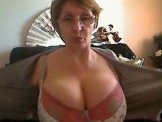 Big Tits Glasses Lingerie Mature Mom Stripper Webcam