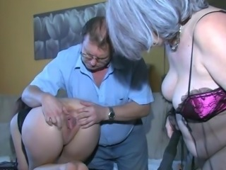 Chubby Mature Older Pussy Threesome
