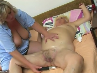 Amateur  Dildo Hairy Lesbian Pussy Toy