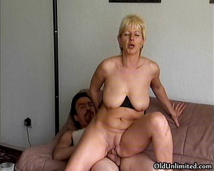Amateur Blonde Mature Mom Riding