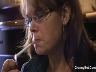 Fetish Glasses Mature Mom Smoking
